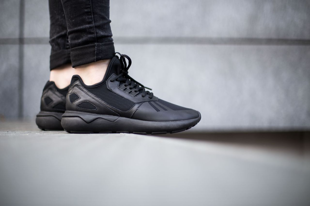adidas-tubular-runner-core-black