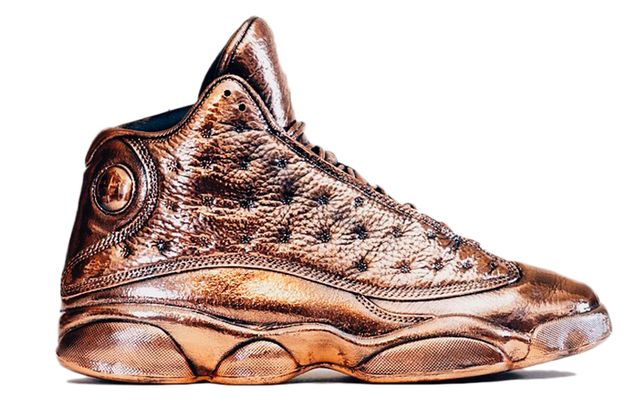 air-jordan-13-bronze-statue_result