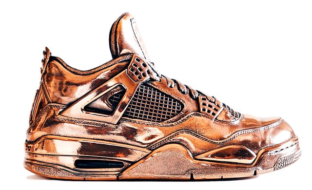 air-jordan-4-bronze-statue_result