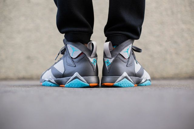 air-jordan-7-barcelona-days_03