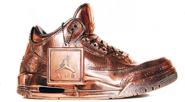 air-jordan-bronze-statues-by-msenna-681x3781_result