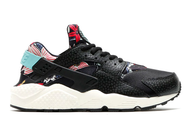 floral-huaraches-arriving-spring-051