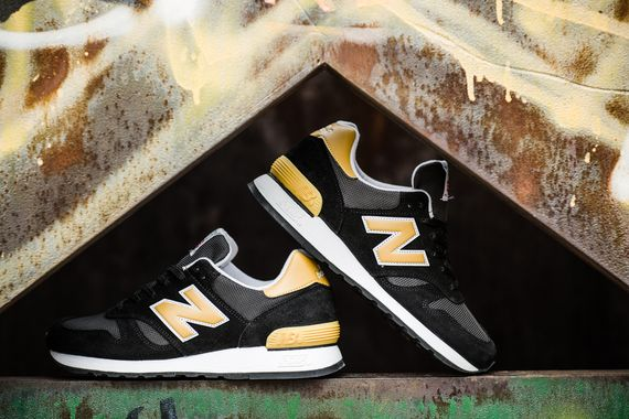 new balance-60-black-gold_04