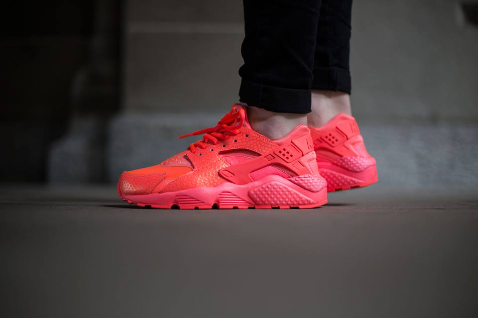 nike-air-huarache-hot-lava-1