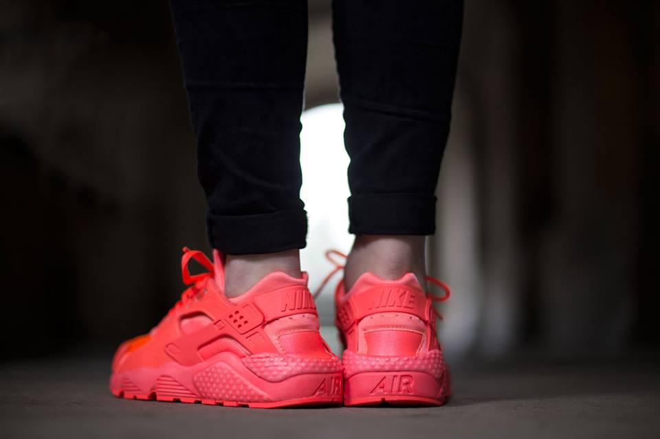nike-air-huarache-hot-lava-3