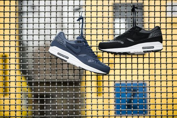 nike-air max 1 woven-black and navy