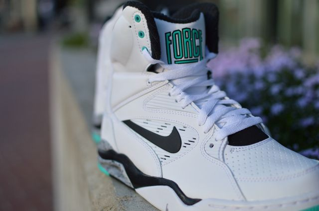 nike-command-force-hyper-jade_04_result