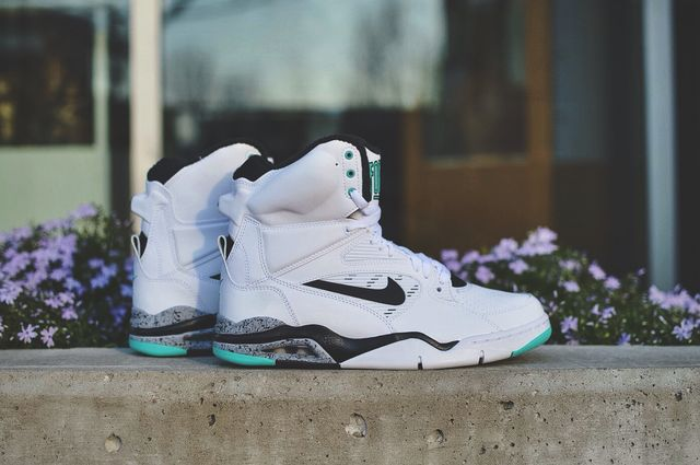nike-command-force-hyper-jade_result