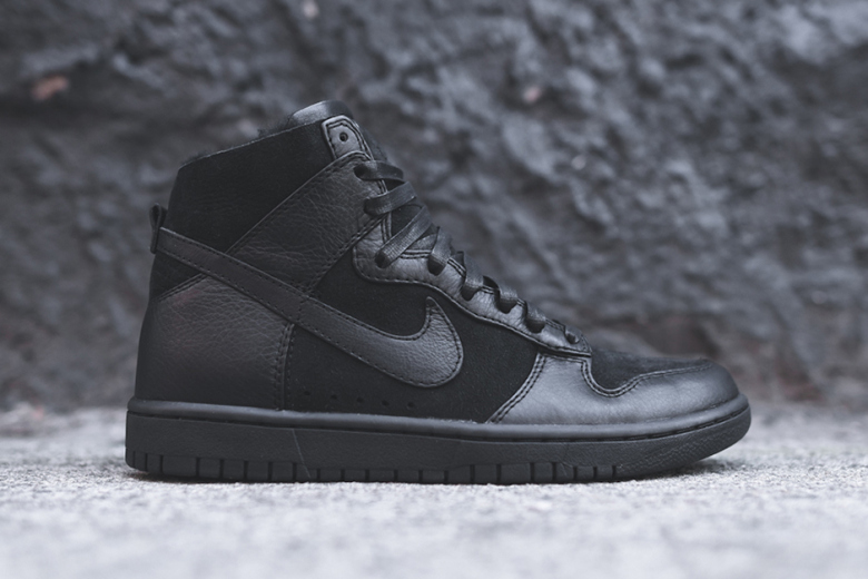 nike-dunk-lux-high-sherpa-triple-black-1