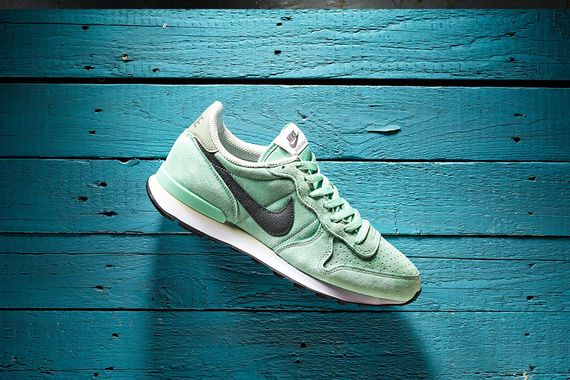 nike-internationalist-mint