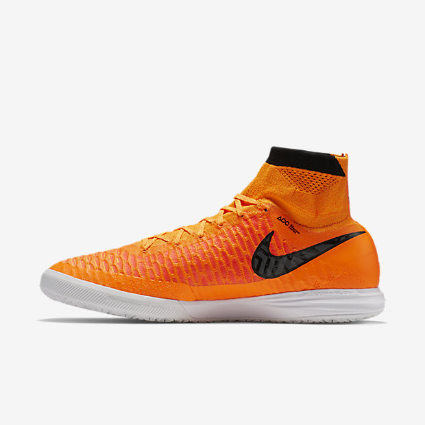 nike-magistax-proximo-ic-total-orange-1