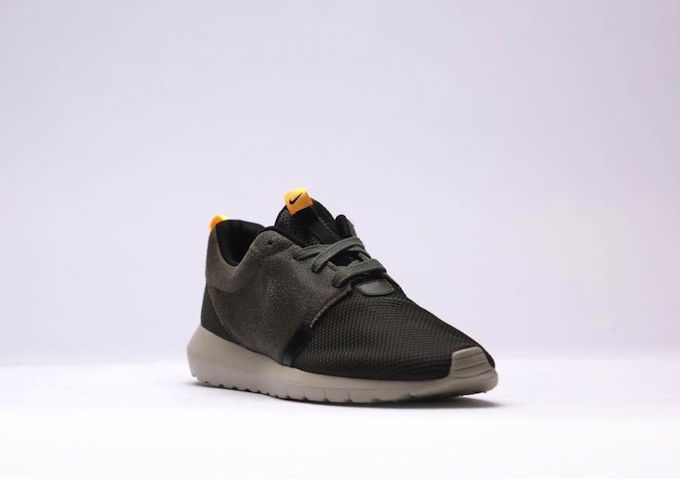 nike-roshe-run-nm-khaki-5
