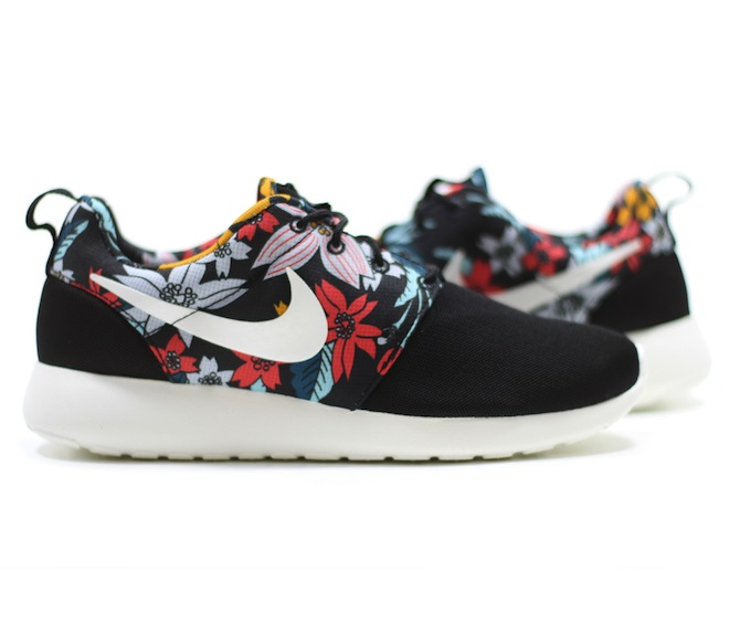 nike-roshe-run-print-hawaiian-floarl