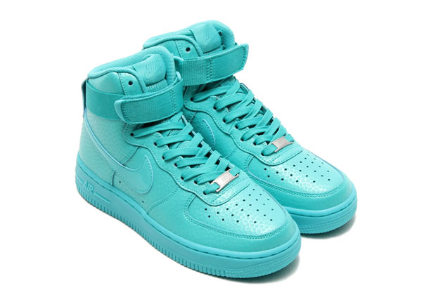 nike-wmns-air-force-1-high-ligt-retro-1