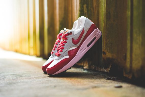 nike wmns-air max 1 vintage-red