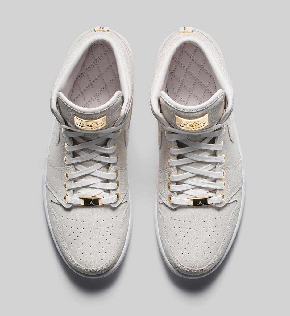 air-jordan-1-pinnacle-white-metallic-gold-3