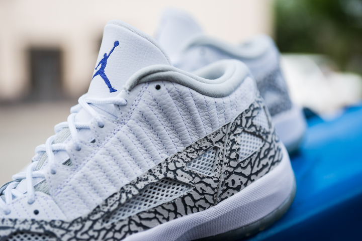 air-jordan-11-retro-low-ie-white-cobalt-2