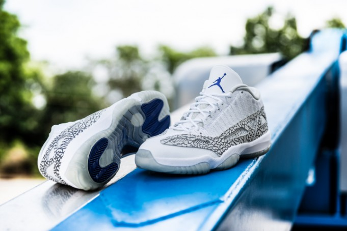air-jordan-11-retro-low-ie-white-cobalt-4-681x454
