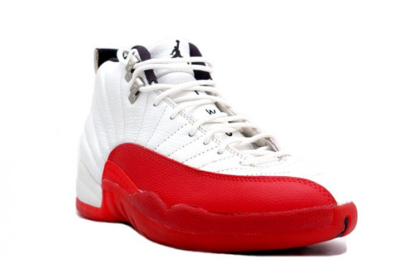 air-jordan-xii-og-white-red-02-570x379