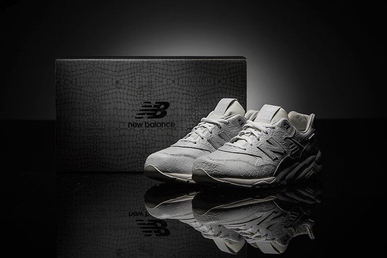 new-balance-mrt580xx-all-white-special-edition-1