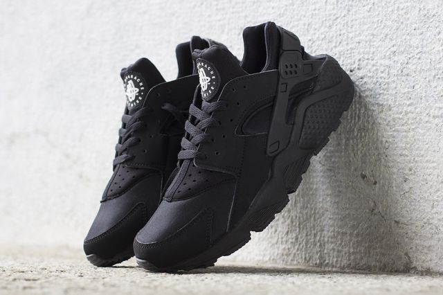 nike-air huarache-black
