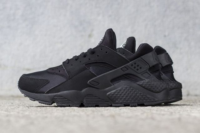 nike-air huarache-black_03