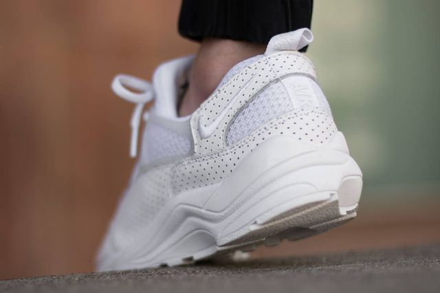 nike-air huarache light-perforated white_03