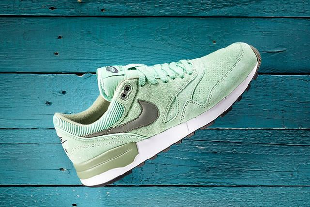 nike-air odyssey leather-enamel green
