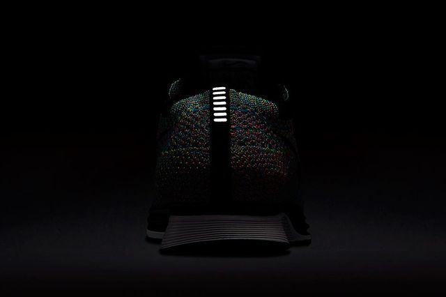 nike-flyknit-racer-multi-color-returning-07_result