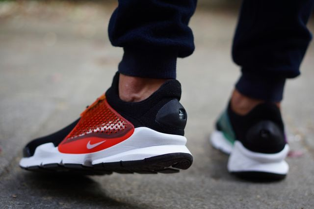 nike-sock dart-betrue on foot_02