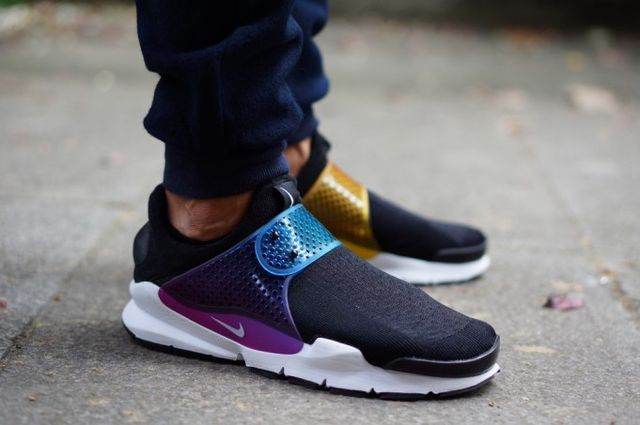 nike-sock dart-betrue on foot_04