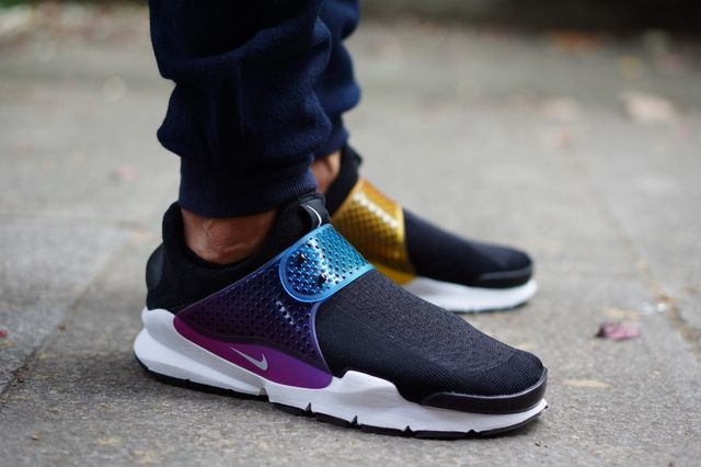 nike-sock dart-betrue on foot_05