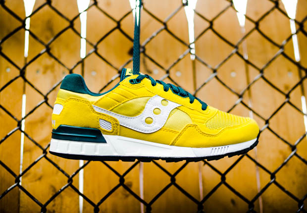 saucony-shadow 5000-yellow-green-white