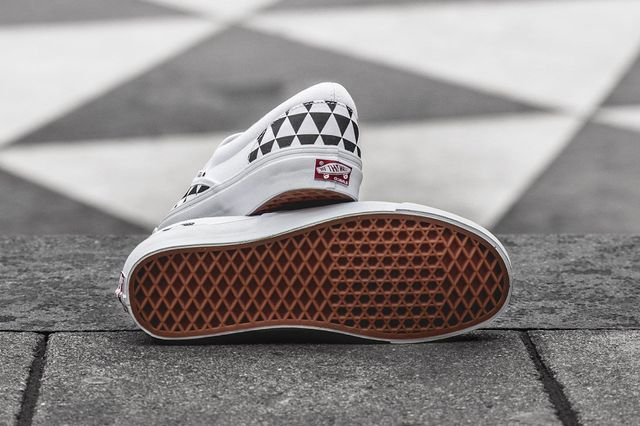 sneakersnstuff-vans-slip on-stockholm_04