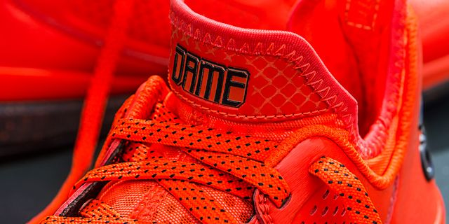 D Lillard 1 Solar Orange Detail 1 H (Q16932)_result