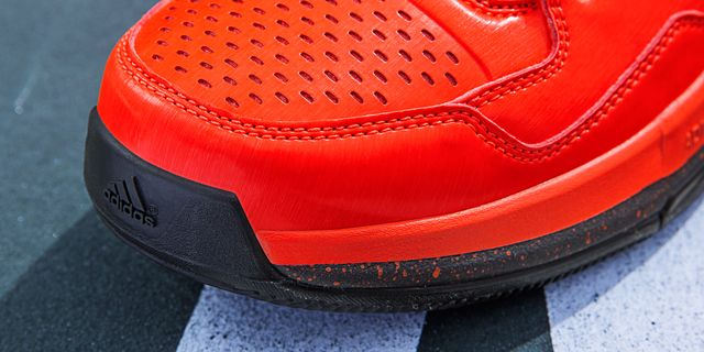 D Lillard 1 Solar Orange Detail 2 H (Q16932)_result