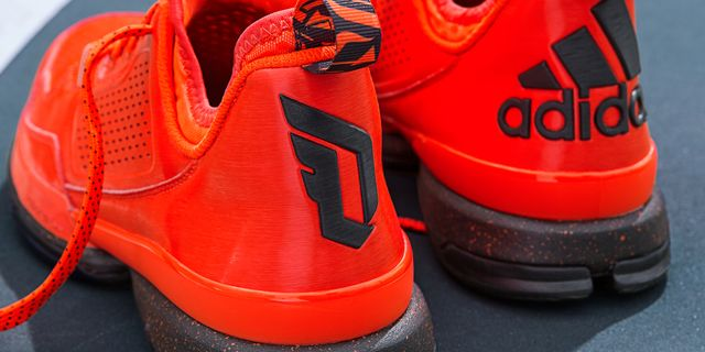 D Lillard 1 Solar Orange Detail 3 H(Q16932)_result