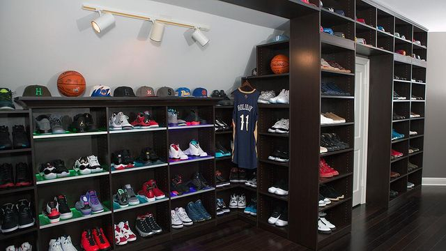 Jrue-Holiday-Master-and-Shoe-Closet-5_result