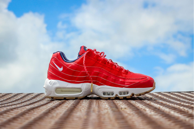 Nike-Air-Max-95-USA-4th-of-July-6