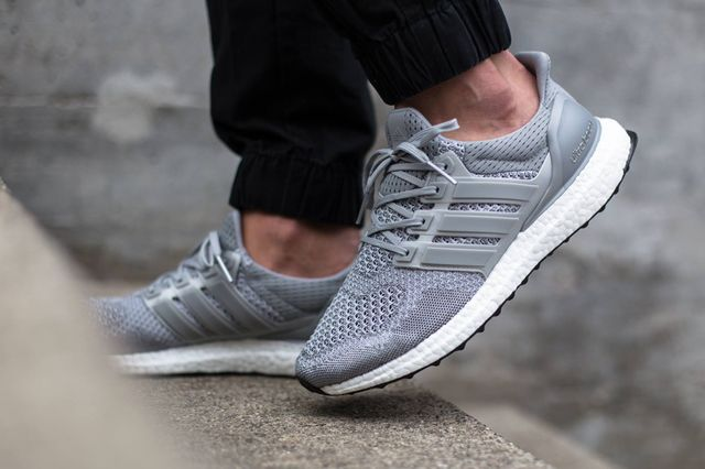 adidas-ultra boost-grey-on foot_02