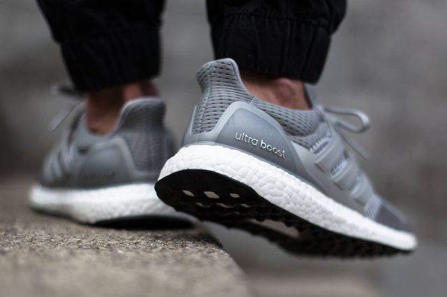 adidas-ultra boost-grey-on foot_04