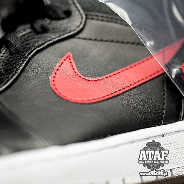 air-jordan-1-rare-air-black-university-red-4