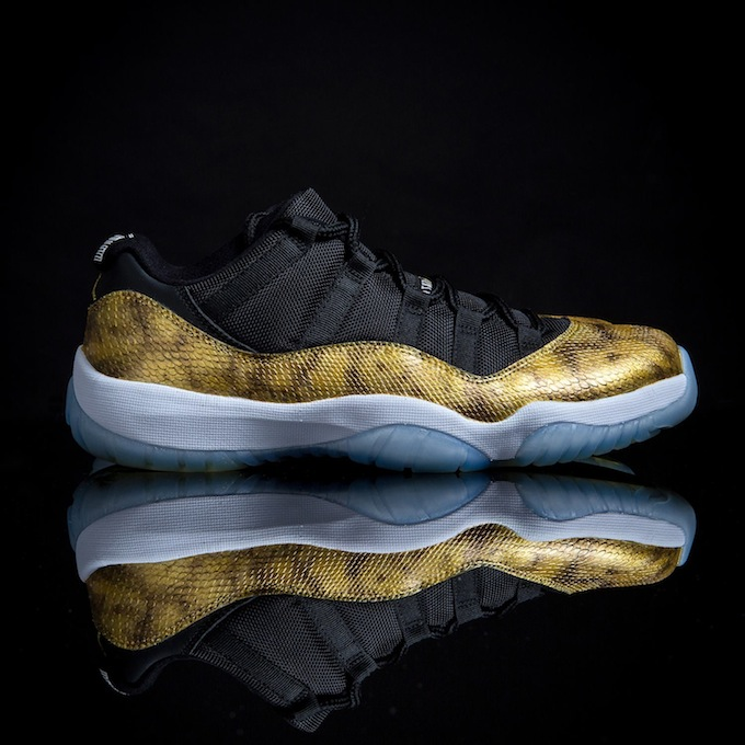 air-jordan-11-low-golden-snake-custom