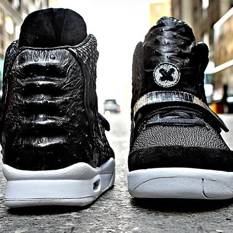 diddy-nike-air-yeezy-2-custom-2_result