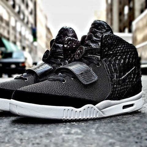 diddy-nike-air-yeezy-2-custom_result