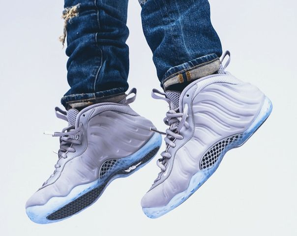 nike-air-foamposite-one-premium-wolf-grey-on-feet-1_result