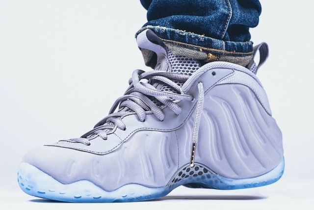 nike-air-foamposite-one-premium-wolf-grey-on-feet-3_result