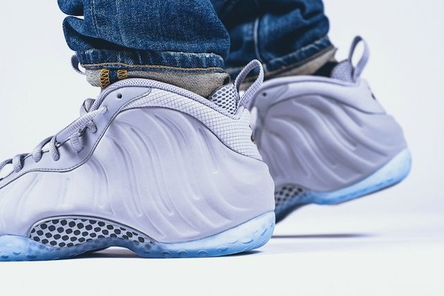 nike-air-foamposite-one-premium-wolf-grey-on-feet-4_result