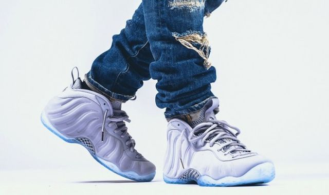 nike-air-foamposite-one-premium-wolf-grey-on-feet-681x404_result