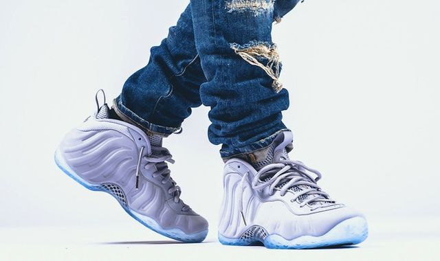 nike-air-foamposite-one-premium-wolf-grey-on-feet_result